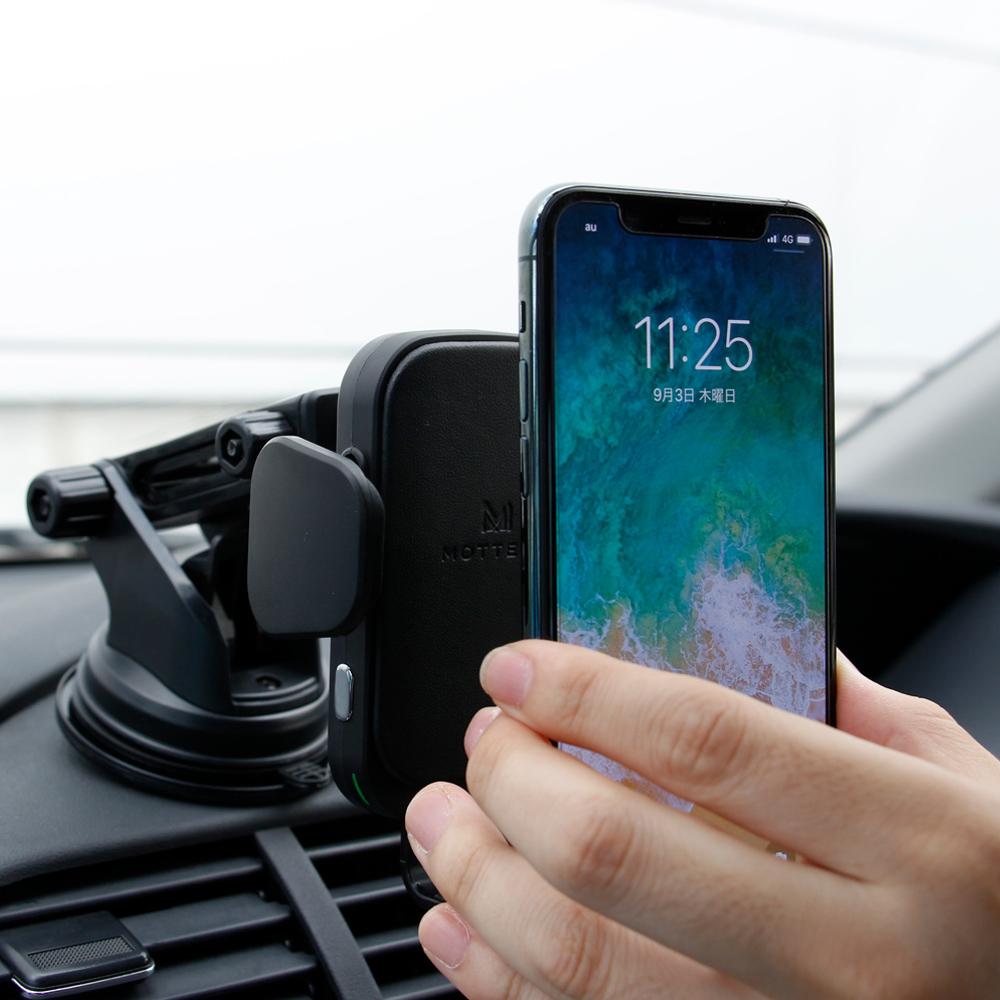スマートフォンを置くだけで自動ホールド(タッチセンサー搭載)