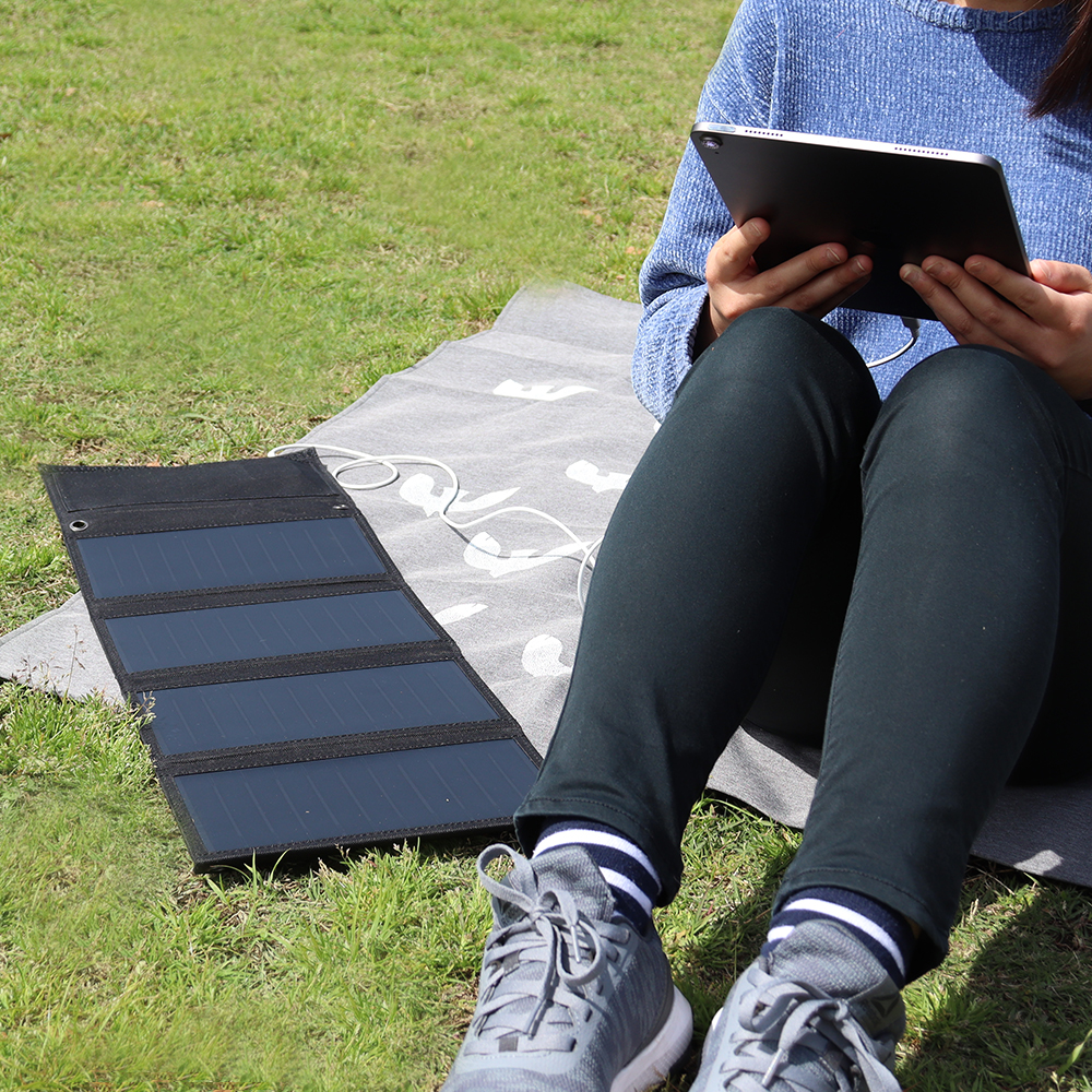 タブレットやポータブルゲーム機なども充電可能