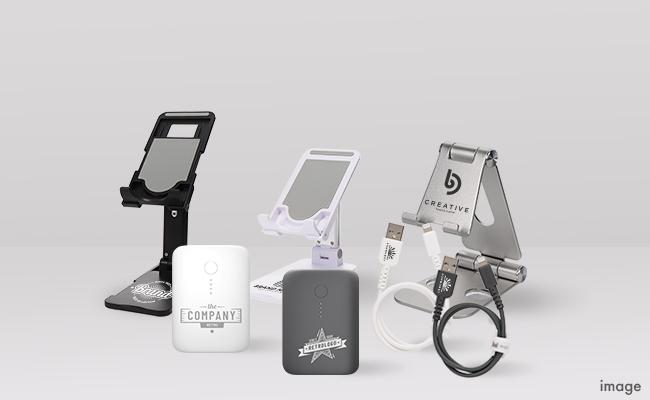 ノベルティや記念品に最適 !MOTTERU、モバイルバッテリーやスマートフォンスタンドなどにオリジナルの名入れができる法人向けサービスを開始